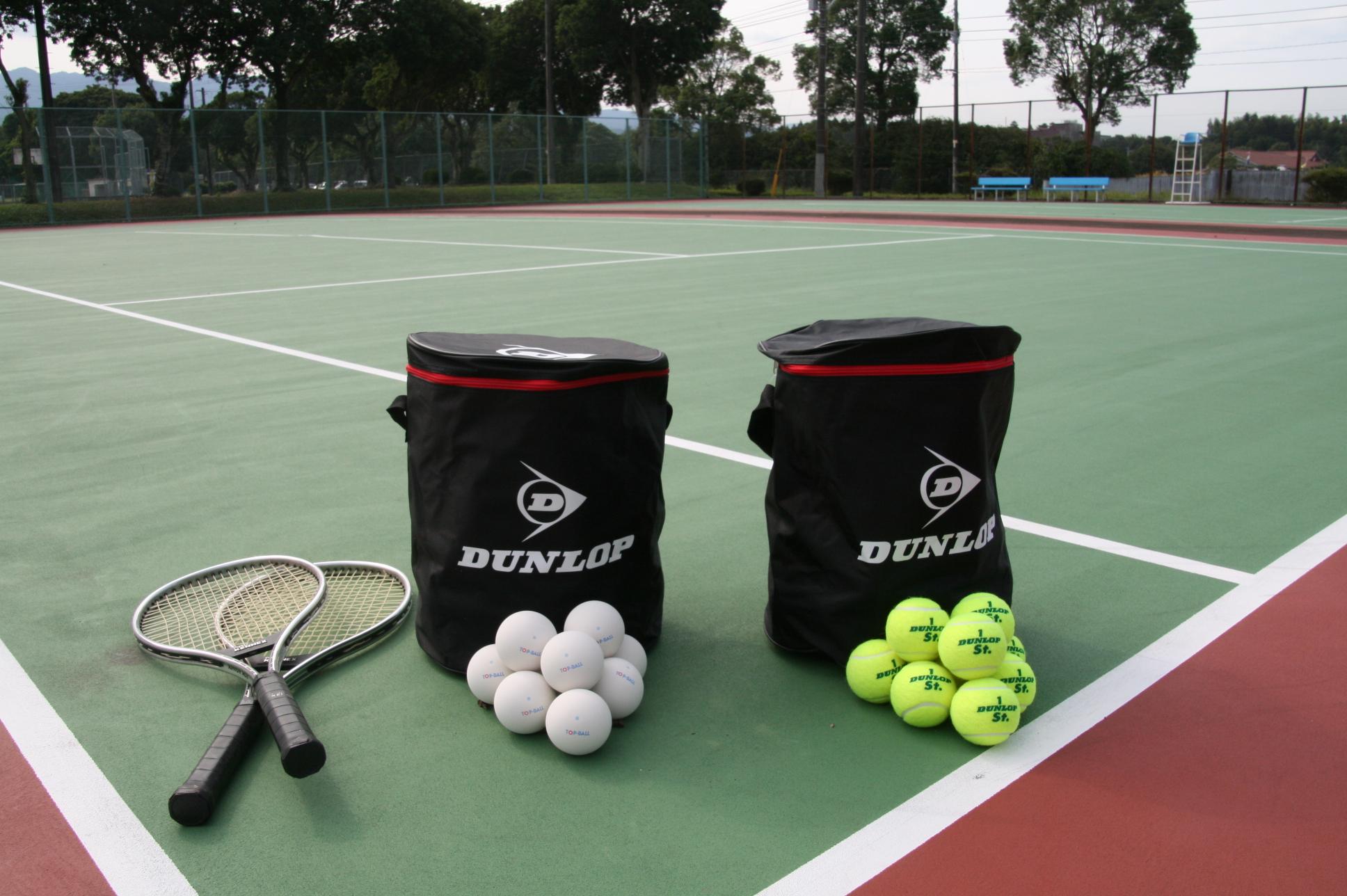 軟式テニスと硬式テニスの違い